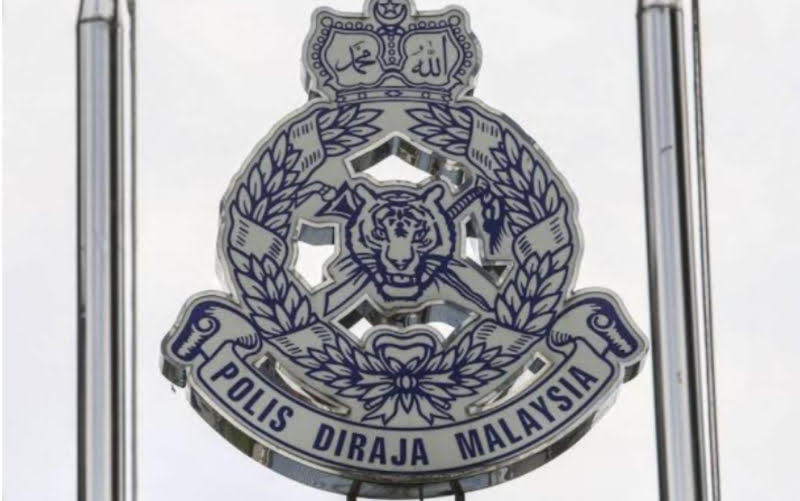Former politician and his wife were arrested by Kuala Lumpur Police on the charge of allegedly growing marijuana and selling drugs.