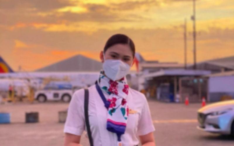 Philippine Airlines stewardess found dad in a hotel room