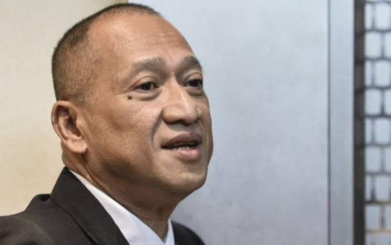 Nazri revealed that he contracted a Covid-19 infected person last week at a press conference.