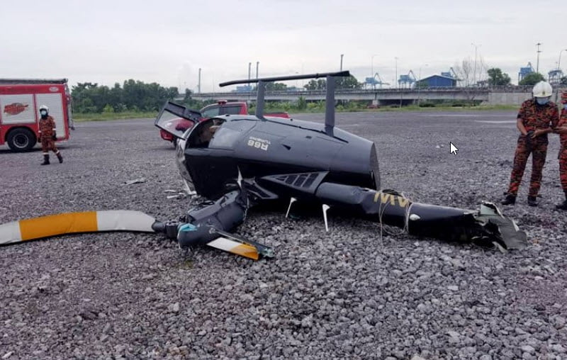 two hurts after Helicopter crashed in Port Klang.